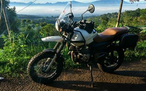 Modification Royal Enfield Himalayan by This Bajaj Pulsar 150 Dressed Up Like A Royal Enfield