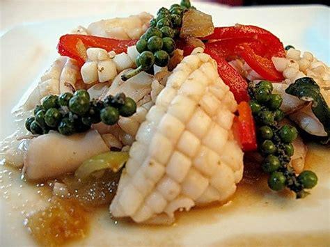 ail des ours cuisine calamar sauté au poivre vert cuisine de la mer