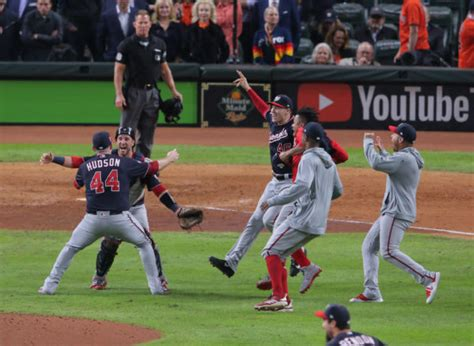 nationals top astros  game   win st world