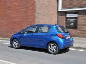 Essai Toyota Yaris Hybride : en images essai toyota yaris restyl e 2014 essai toyota yaris 1 0 vvt i 2014 ~ Gottalentnigeria.com Avis de Voitures