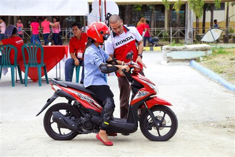 "Honda Zooms To Bulacan With ""generation Smart"" University"