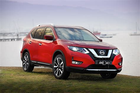 It has a ground clearance of 210 mm and dimensions is 4690 mm l x 1830 mm w x 1740 mm h. NISSAN X-Trail (T32) specs & photos - 2017, 2018, 2019 ...