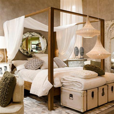 letti a baldacchino in legno letto baldacchino legno massello mobili industrial e vintage