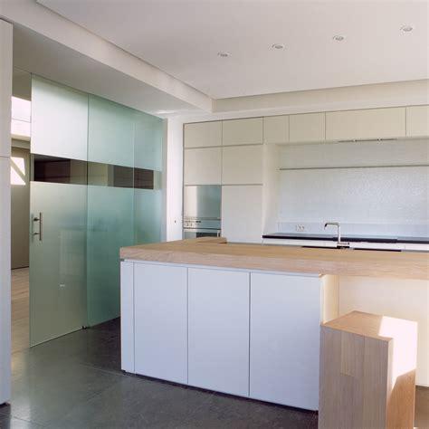 porte cuisine coulissante portes coulissantes en verre sur mesure anyway doors