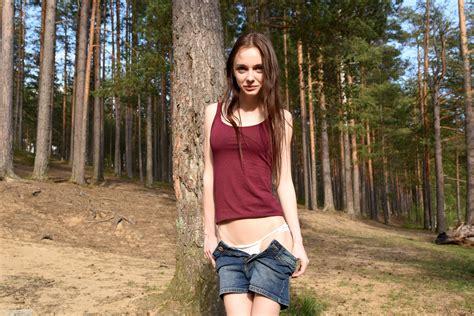 Wallpaper Lapa Pala Taressa Model Teen Years Old Russian Cute Brunette Smile