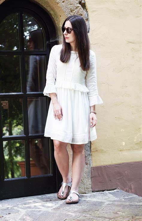 laffinite style inspiration birkenstock gizeh white dress
