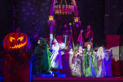 mickeys   scary halloween party starts friday