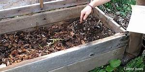 Creating a worm composting bin in the class to teach ...