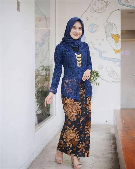 Model baju gamis brokat terbaru 2020 : Cocok Buat Kondangan, 8 Inspirasi Kebaya Brokat & Dress ...