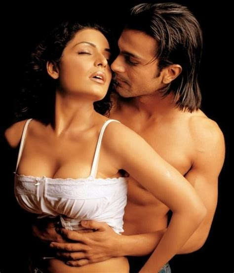 actress kiss fb ashmit patel goes nude follows girlfriend veena malik