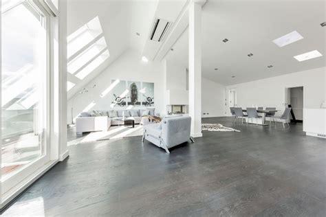 flohspray für wohnung moderne wohnung minimalistisches penthouse in berlin hat