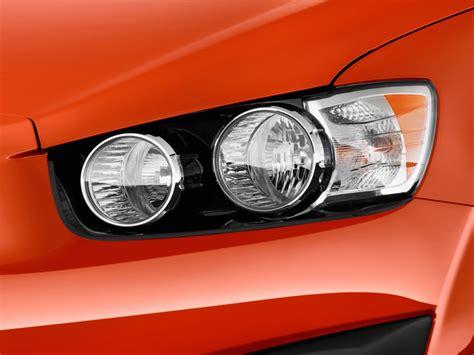 image 2014 chevrolet sonic 5dr hb auto lt headlight size