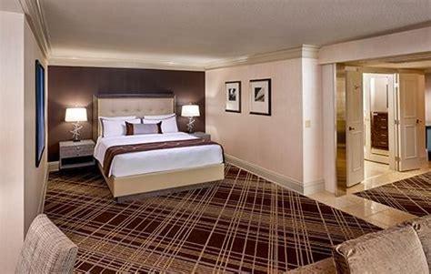 treasue island ti las vegas rooms  suites  las