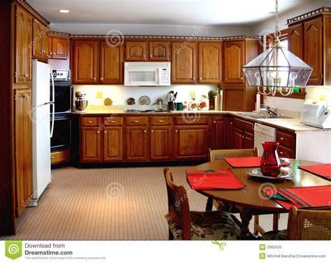 plus cuisine une cuisine plus ancienne image stock image du maison