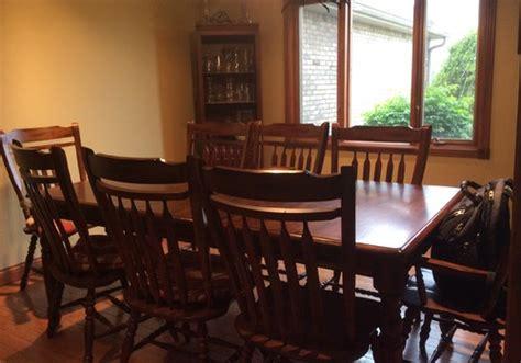 color  paint dining room  honey oak wood trim