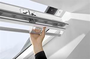 Velux Ggl 4 : velux white painted centre pivot roof window ggl ~ Melissatoandfro.com Idées de Décoration