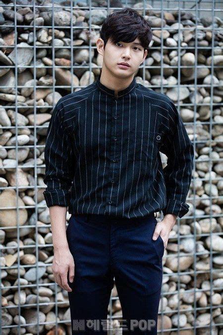 koleksi foto lee seo won aktor rookie korea  ngetop