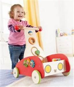 Lauflernwagen Holz Jungen : weihnachtsgeschenke f r kinder die richtige geschenkidee f r strahlende kinderaugen ~ Orissabook.com Haus und Dekorationen