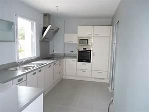 Cuisines contemporaines cadiet agencement artisan for Cuisine mur rouge meuble blanc 5 cuisines contemporaines cadiet agencement artisan