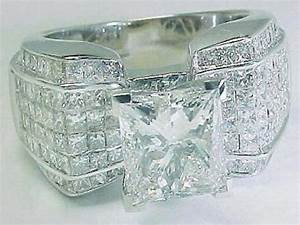 Big diamond wedding rings for Wedding rings with a big diamond