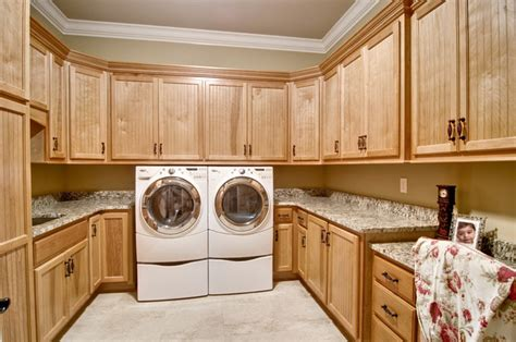 Beadboard Wall Cabinet : Laundry Room With Beadboard Style Cabinets And Desk