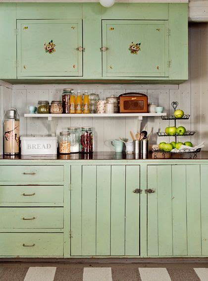 Fashioned Kitchen Cupboards by Best 10 Vintage Kitchen Cabinets Ideas On