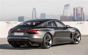 Audi E Tron Gt : audi taps the iron man to reveal new e tron gt ~ Medecine-chirurgie-esthetiques.com Avis de Voitures