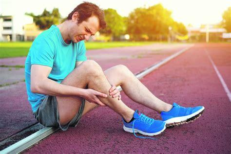 NRA skaidro, ko nozīmē krampji kājās, kas tos izraisa, kā sev palīdzēt - Māja - nra.lv