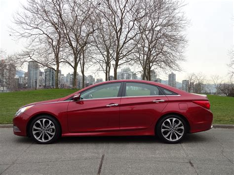Hyundai Sonata Cost by 2014 Hyundai Sonata 2 0t Limited Road Test Review
