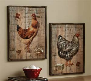 Wall Portray With Rustic Decor Accent On Reclaimed Wood
