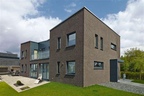 Moderne Klinkerhäuser by Modernes Fertighaus Mit Zeitgem 228 223 Er Dunkler Klinker