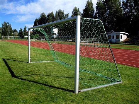 move  goalposts wiktionary