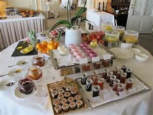 Petit Buffet Salon : petit d jeuner buffet picture of vevey canton of vaud tripadvisor ~ Teatrodelosmanantiales.com Idées de Décoration