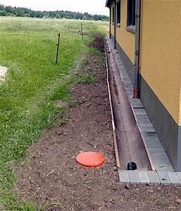 Entwässerung Grundstück Regenwasser : drainagen entw sserung entwaesserung f r geb ude und gartenfl chen ~ Buech-reservation.com Haus und Dekorationen