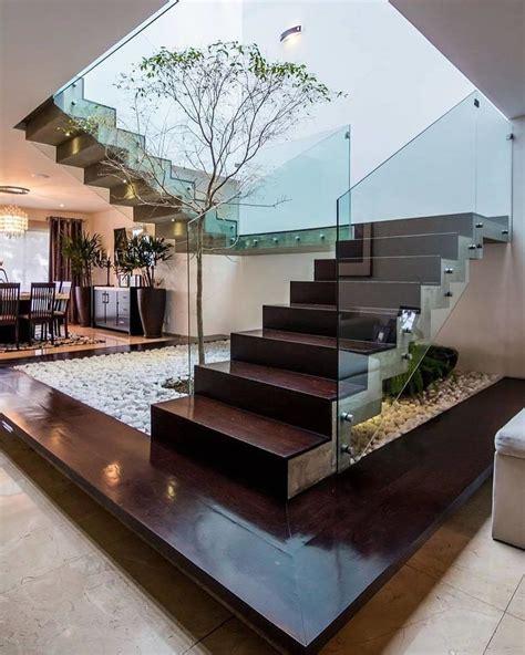 gambar tangga rumah minimalis modern  lantai expo