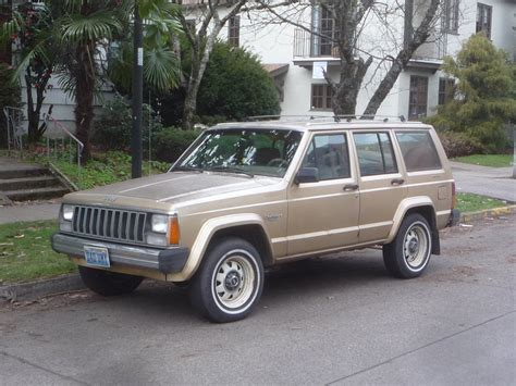 renault jeep curbside classic 1984 jeep cherokee amc s greatest hit
