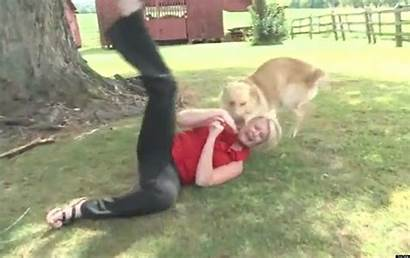 Bloopers Animal Background Funniest Reporter Blooper Funnypicture