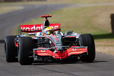 Формула 1 Mercedes (Мерседес). Все о команде Мерседес...