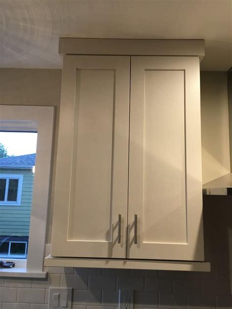 cabinet flat crown  bottom light rail