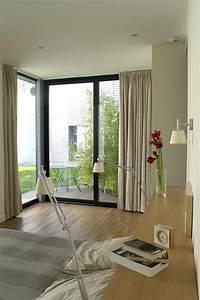 Rideau Baie Vitree : chambre avec une grande baie vitr e d 39 angle rideaux ~ Premium-room.com Idées de Décoration