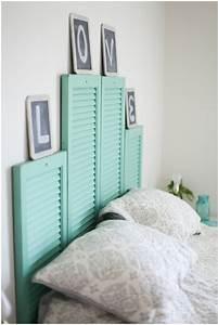 Tete De Lit Chic Et Design : volets en bois vintage comme d co murale originale ~ Teatrodelosmanantiales.com Idées de Décoration