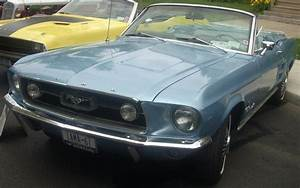 File:'67 Ford Mustang Convertible (Cruisin' At The Boardwalk 2010).jpg - Wikimedia Commons