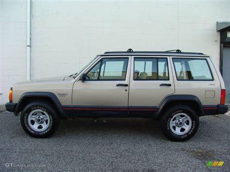 1994 Light Chagne Beige Metallic Jeep Cherokee Sport