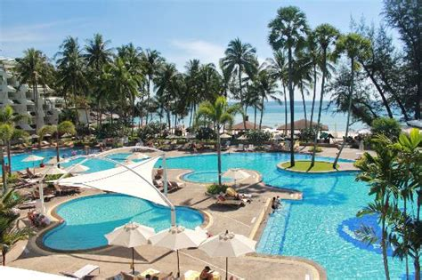le meridien phuket resort pool area picture of le meridien phuket resort karon tripadvisor