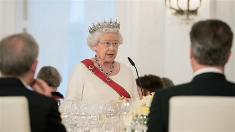 Royal Warning Queen Cautions Europe Over 'divided