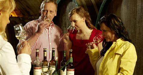 Weinprobe Zu Hause? 10 Tipps!  Saale Unstrut