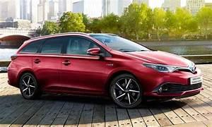 Toyota Auris Break Hybride : configurateur nouvelle toyota auris touring sports hybride et listing des prix 2019 ~ Medecine-chirurgie-esthetiques.com Avis de Voitures
