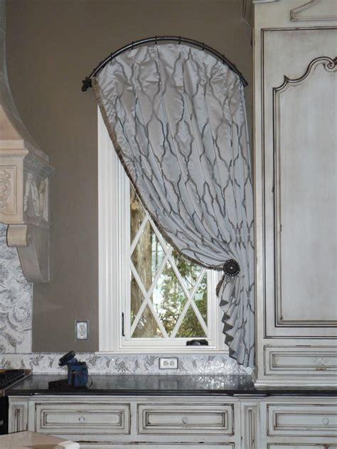 tale   bay window curtain rod  decorating tips