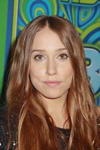 Sarah Sutherland — Ethnicity of Celebs | What Nationality ...