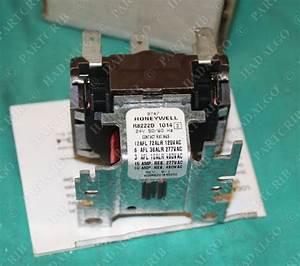 Honeywell  R8222 D 1014  R8222d1014  Tradeline Relay 24v